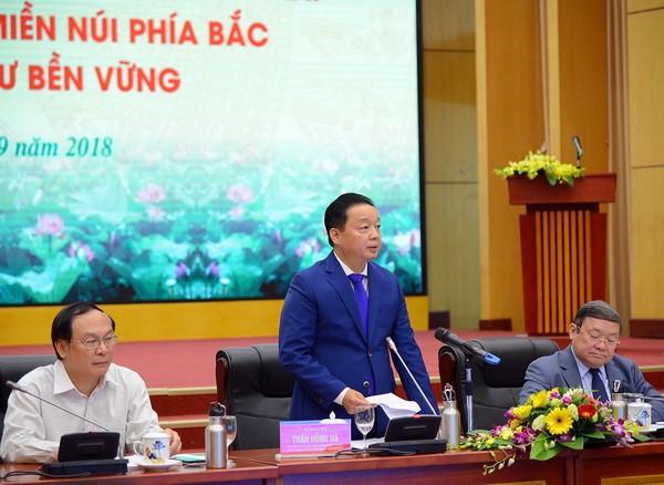 Bộ trưởng Bộ Tài nguyên và Môi trường Trần Hồng Hà phát biểu khai mạc Hội nghị. Ảnh: Hoàng Minh