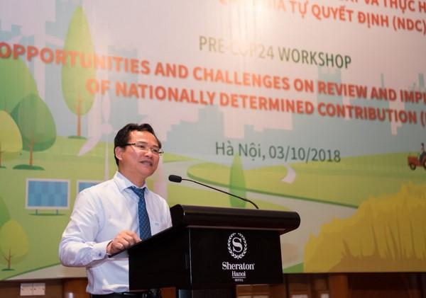 Phó Cục trưởng Cục Biến đổi khí hậu (Bộ TN&MT) phát biểu tại hội thảo